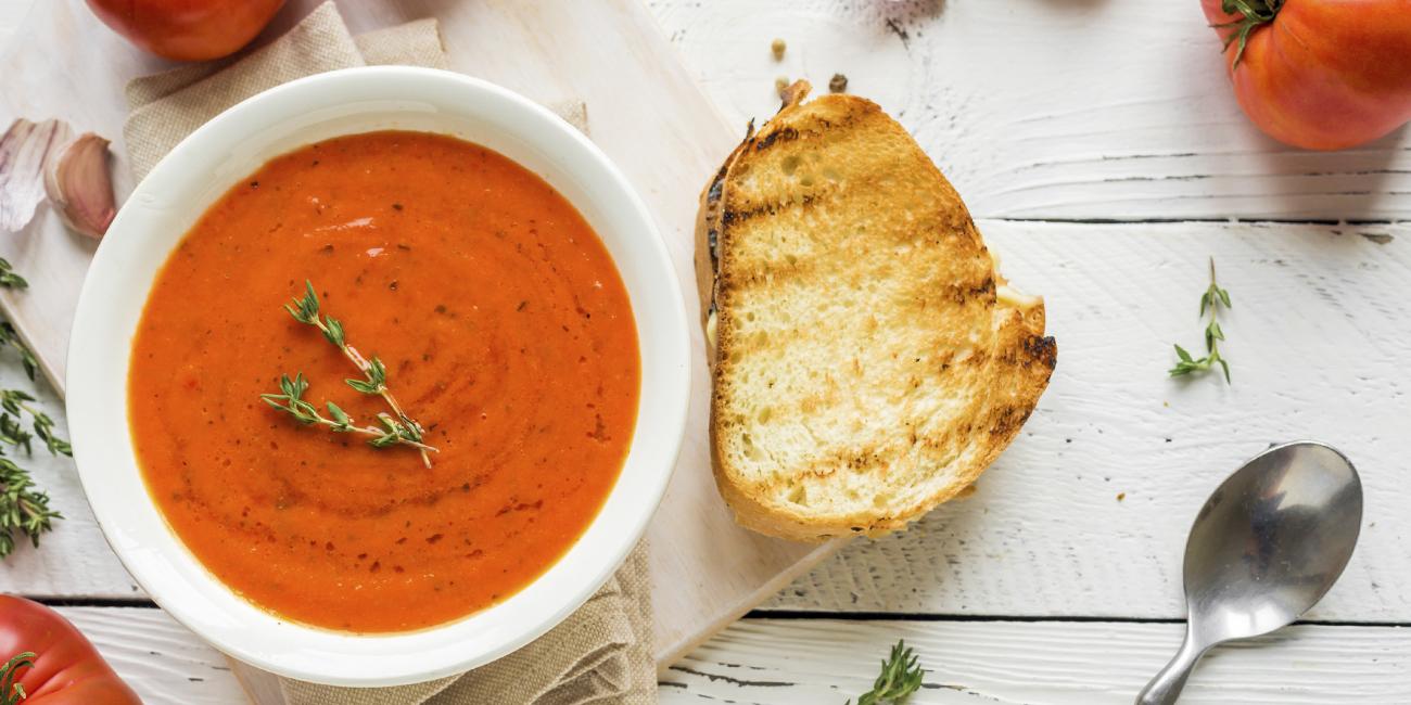 tomaatti vuohenjuustokeitto